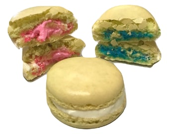 Custom Gender Reveal Macarons 15CT