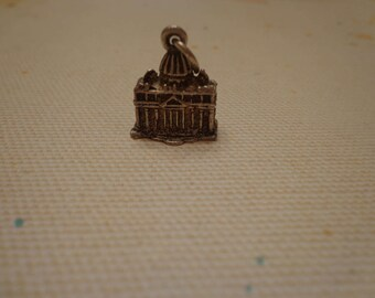 925 Sterling Silver Vintage 3 Dimensional Capital Building Charm 4 grams