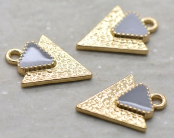 Small 24k Gold Plated Triangle Charm with Gray Enamel, Triangle Arrow Geometric Finding, Boho Minimal Charm Jewelry Making Supplies (AY006)