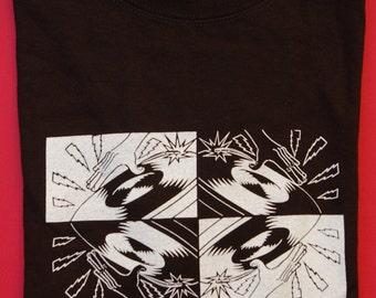 DJ spinning vinyl record  t-shirt