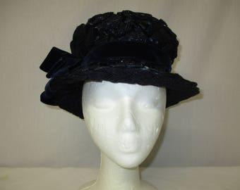 "Vintage 1960's TALBERT Originals Navy Blue Basket Weave Velvet Bow Cloche Hat 23"""