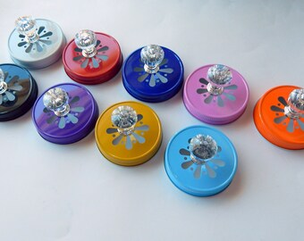 Daisy Mason Jar Lid with Acrylic Knob / Fits Regular Mouth Mason Jars / Metal Lid with Daisy Cut / Wedding / Home Decor Gifts
