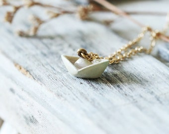 Origami Paper Boat Necklace,Charm Origami Necklace,Everyday Jewelry,Painting Origami Necklace,Paper Boat Pendant,Miniature Necklace