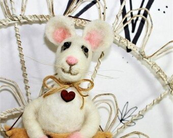 Needle felted white mouse ornament, wool cheese ornament, mouse with cheese ornament, white mouse, lab rat, ready to mail