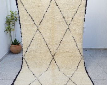 Beautiful 100% Authentic Highest Quality Beni Ourain Moroccan Rug 9'8 x 5'8