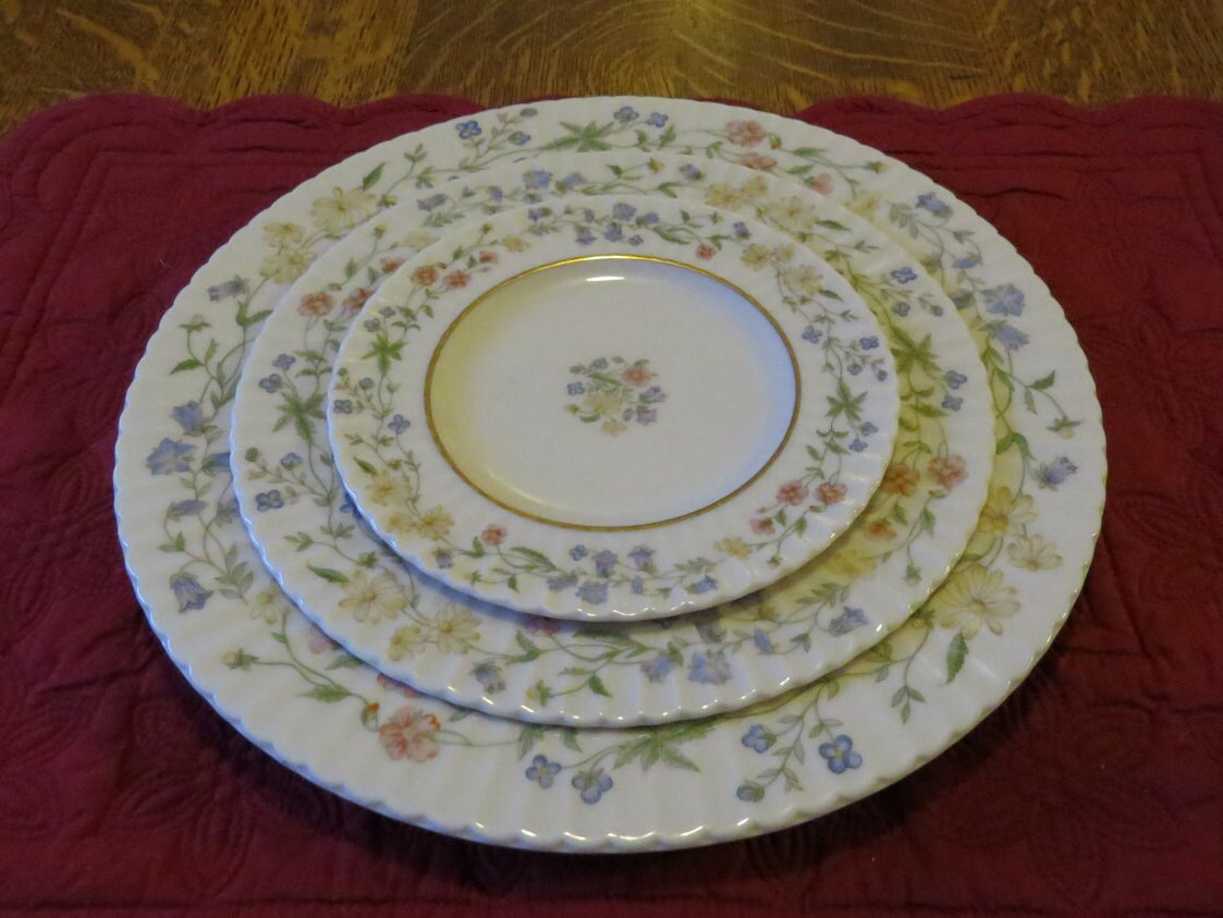 Four 3-Piece Place Settings Lenox Spring Bouquet Floral Pattern Fine China Dinnerware Set Service 12 Pieces - 2 (12 Piece) Sets Available & Four 3-Piece Place Settings Lenox Spring Bouquet Floral Pattern Fine ...