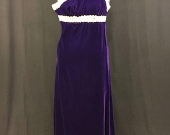 Vicky Vaughn juniors, 1970's Purple velvet one shoulder evening gown