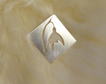 Snowdrop brooch - a clean, simple, square botanical brooch with iconic spring flower design