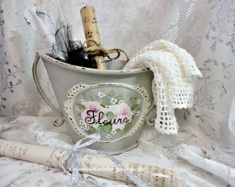 Fleurs Metal Urn with Hand Painted Roses and Filler Flowers, ECS, CSSTeam