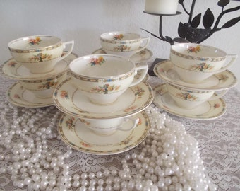 W.H. Grindley & Co. Tea cups and saucers Ivory Floral Bouquet
