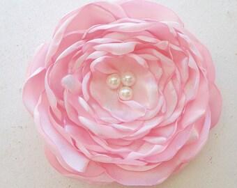 Light Pink Flower Hair Piece.Light Pink Flower brooch.Pink Flower pin.Pink Flower Hair Clip.Bridesmaid.Wedding Accessory.Corsage.fascinator