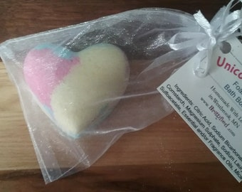 Unicorn Hearts Foaming Bath Bomb