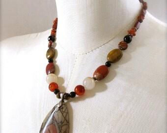 Mise à la terre guerrier terre rouge photo collier de perles de Jasper