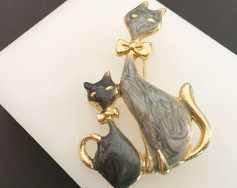 Mother and Baby Cat Brooch, Vintage Jewelry, Animal Jewelry, Gold Cat & Kitten Pin, Cat Jewelry, Gift for Mother, Cat Lover, Two Cats