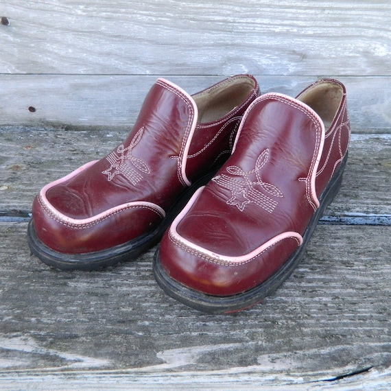 Fluevog Wedge-Heal Slip-On Loafers -6- Maroon Leather with Pink Piping & Trim