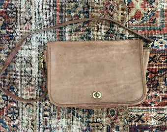 Vintage coach dinky bag / coach brown leather crossbody / British tan leather handbag / made in usa