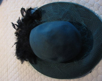 Bollmans emerald green with black feathers - fascinator!  Made in USA.