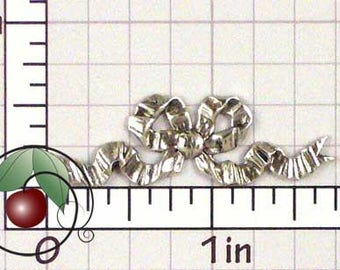 Bow Stamping, Bow Finding, Ribbon Accent, Metal Bow, Metal Ribbon, Silver Ox Plated Brass, 2 Pcs, 1463so2
