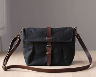 Waxed Canvas Crossbody Bag, Messenger Bag, Travel Bag, Bag for Women, Leather, GRETA black