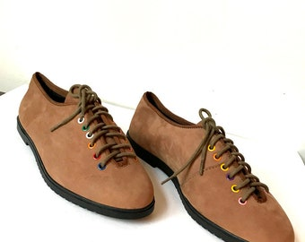1980s Lace Up Shoes - Brown Suede and Colorful Eyelets - Brogues Brown -  Pastel Color