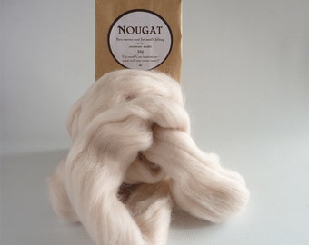 Light buff merino roving, 25g (1oz)  Nougat,  21 micron, merino roving, felting wool, merino tops, needle felting wool, wet felting wool,