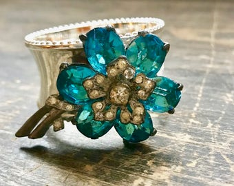 Napkin Ring with Turquoise Vintage Fur Clip Flower