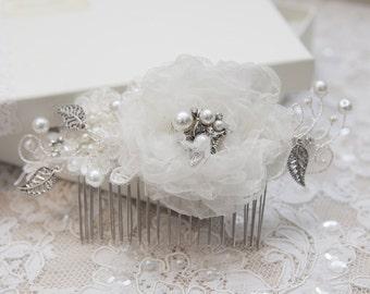 Bridal hair comb, Wedding hair accessory, Wedding hair comb, Flowergirl hair comb, Wedding hair slide, Bridesmaid hair comb, Lace hair comb