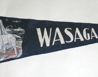 Genuine Vintage Original 1940s WWII Patriotic Felt Pennant Wasaga Beach Ontario -- Free Shipping!