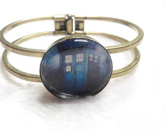 Tardis blue cabochon Bangle