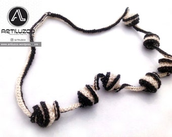 Bordoneo Claroscuro, Crochet necklace, Necklace in natural fibers, Handmade knitted necklace