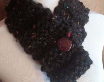 ONLY ONE Black Chunky Knit Winter Cowl with Maroon Button