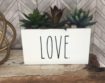Rae Dunn inspired planter box
