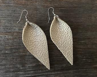 Las Hojas (Leaf) Earrings - Champagne