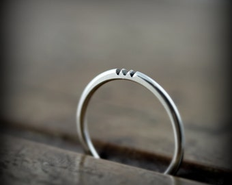 Notched ring in sterling silver, thin stacking ring