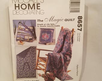 The Magic Quilt McCalls Home Decorating Pattern 8657 Quilts in 2 Sizes Fold into Pillows or Optional Handles 1997 UNCUT FF