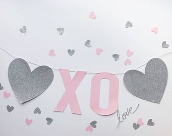Silver and pink XO heart banner