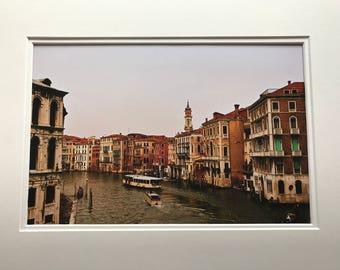 Ponte di Rialto Bridge 12x8 print in a A4 mounted frame