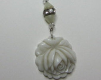 Vintage Art Deco Glass Rose Bead Necklace