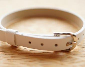 Bracelet white faux leather glitter edging