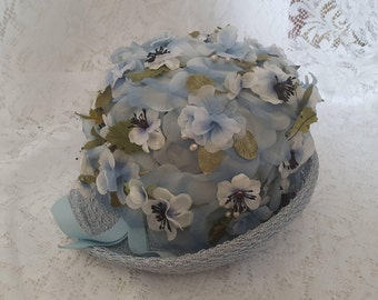 Vintage Ladies Cloche hat from the 40s