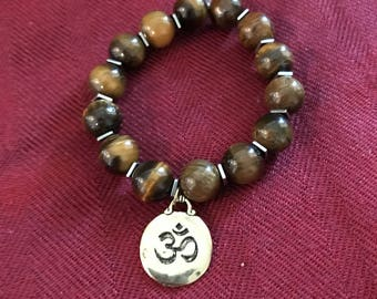 Ohm charm stretch bracelet