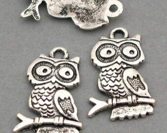 SET of 3 charm OWL on branch Silver (D37)