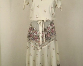 Vintage 70's Dress Cream with Green and Mauve Floral Print Size S / Small