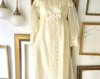 Vintage 60s Lace Organza Empire Waist Wedding Dress - sz2 - Free Ship