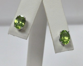 Natural Peridot Stud Earrings Solid 14kt White Gold