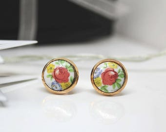 Bright Spring Floral Stud Earrings / Red Rose Stud Earrings / Rose Floral Stud Earrings / Romantic Gift Wife / Fiance Gift / Ear Studs
