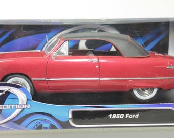 Maisto 1950 Ford 1:18 Scale Die Cast Model Car New in Box
