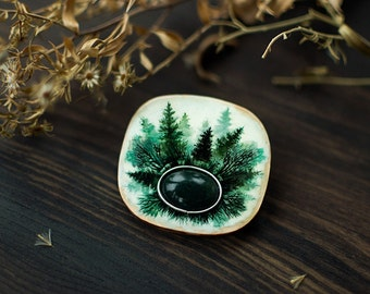 Silent Marsh ooak wooden gemstone brooch, indie mystical handpainted brooch, woodland boho fashion jewelry, white and green moss agate