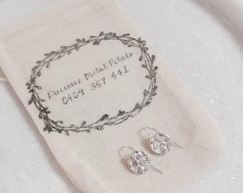 Dainty round sparkle drops
