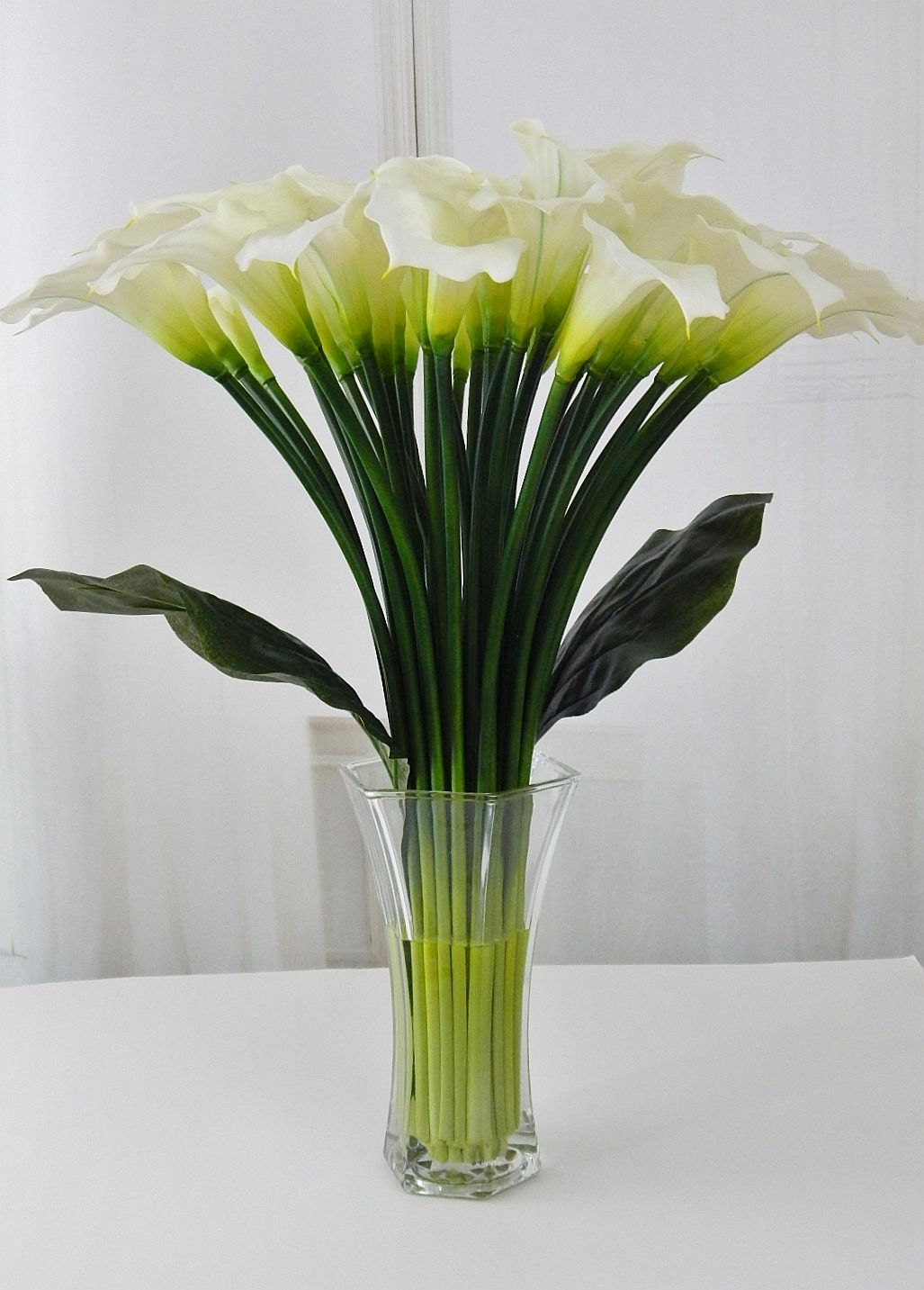 Largetall silk modern floral arrangement calla lilylilies gallery photo gallery photo izmirmasajfo Image collections